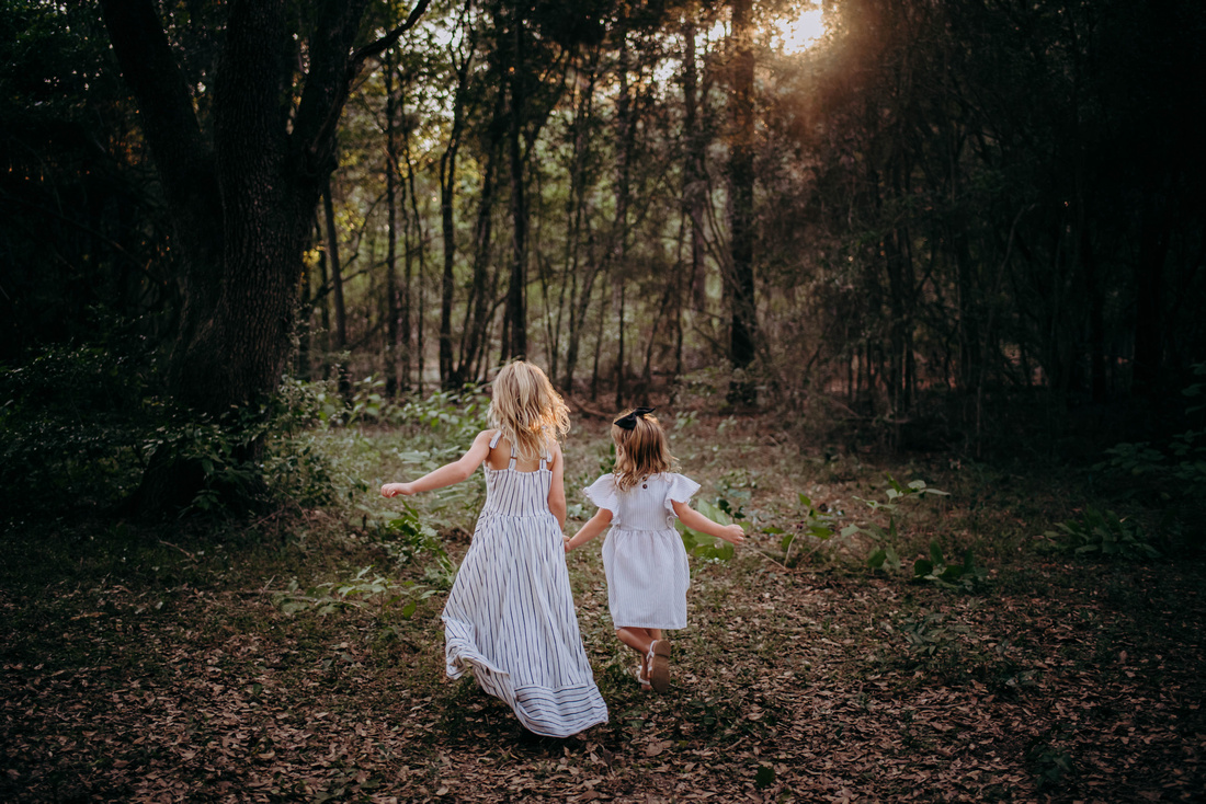 Running-in-the-woods-Cypress-TX-photographer