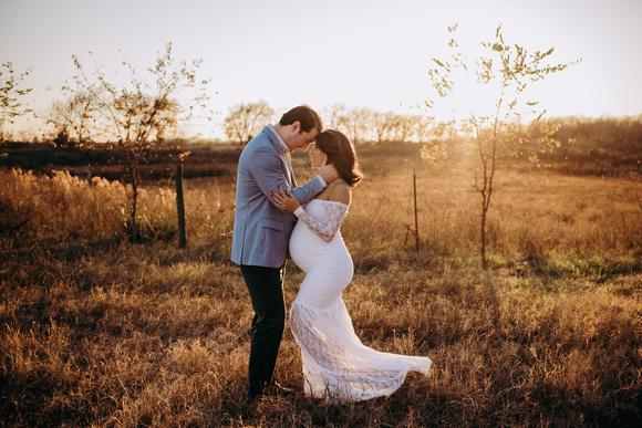 Katy-TX-maternity-photographer-golden-glow
